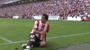 Mikel Balenciaga en San Mamés antes de ser cedido al Valladolid.