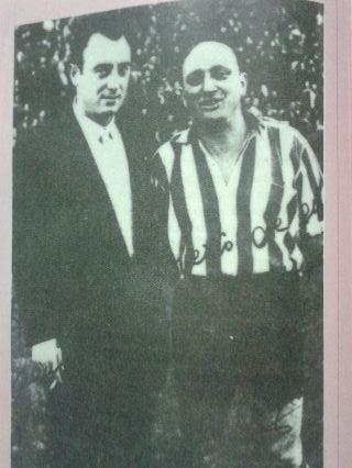 La imagen, que aparece en la historia del Athletic que el propio club editó en 1985, no engaña: Roberto Bertol (el de la derecha) era calvo.