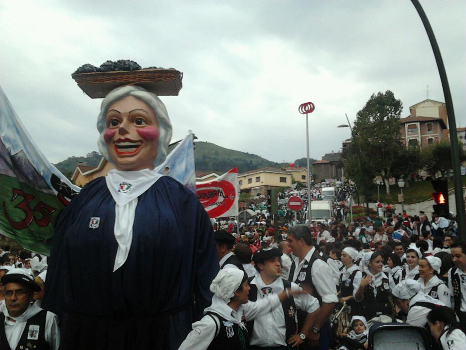 Bajada en las fiestas de Basauri 2012.