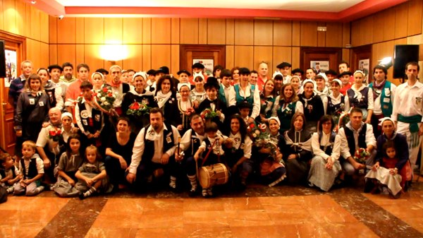 pregonera-cuadrillas-ayuntamiento-fiestas-basauri-2012