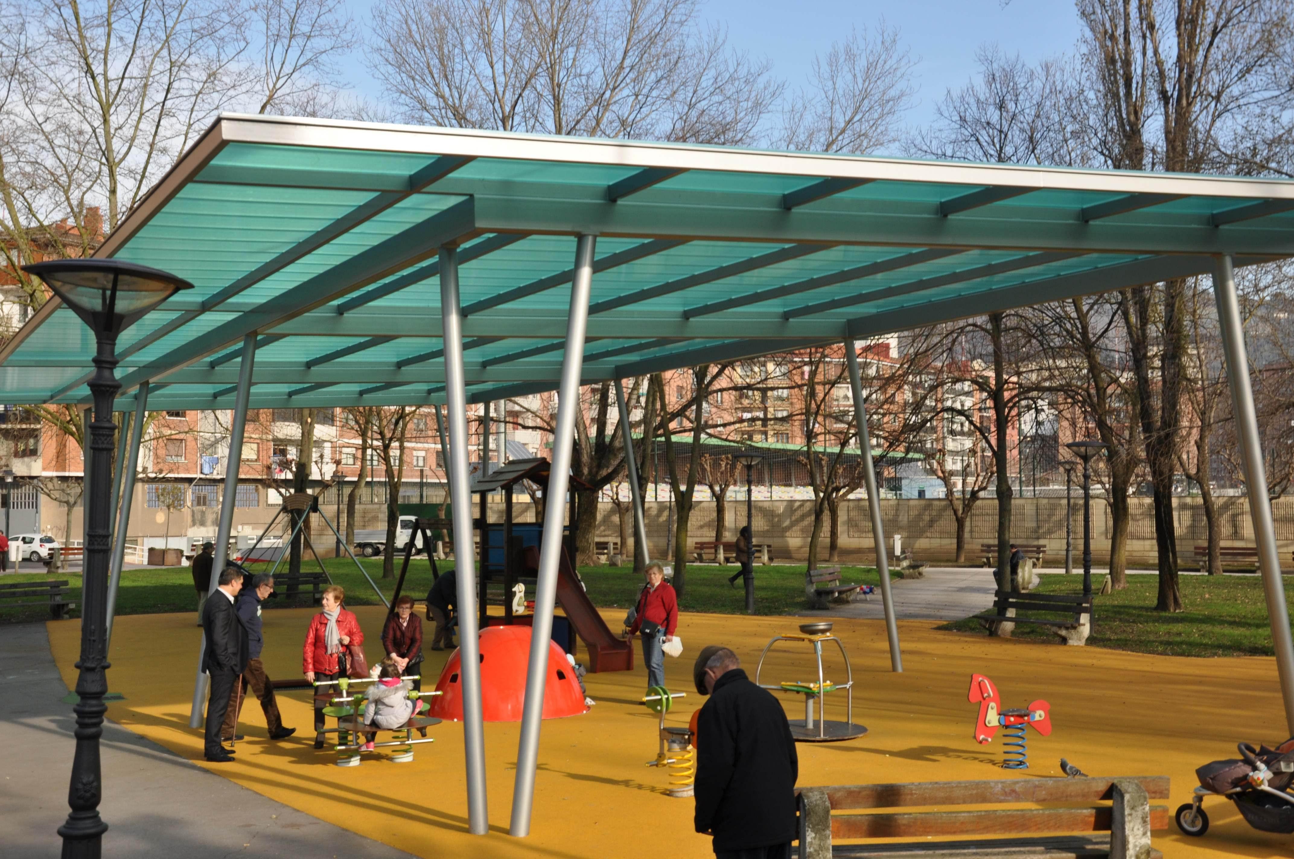 Zona de juegos cubierta del parque de Soloarte. Foto: Ayuntamiento de Basauri