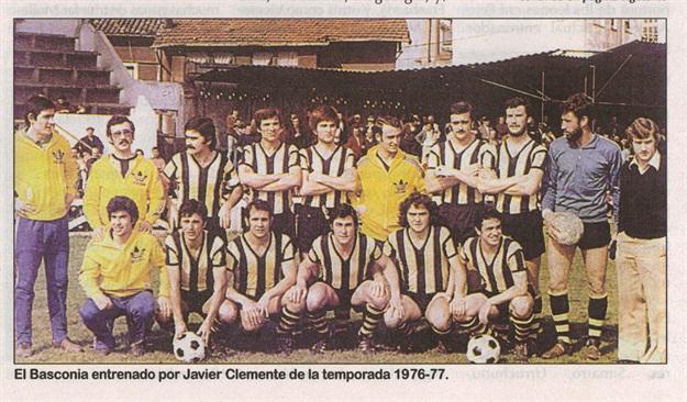 El Basconia cuando entrenaba Javier Clemente (primera por la derecha). Foto: C.D. Basconia