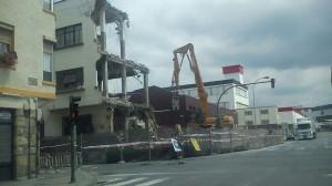 Demolición del edificio de Theis Ibérica en Basauri
