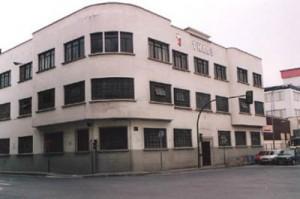 Edificio de Theis Ibérica antes de su derrumbe. Foto: Ayuntamiento de Basauri