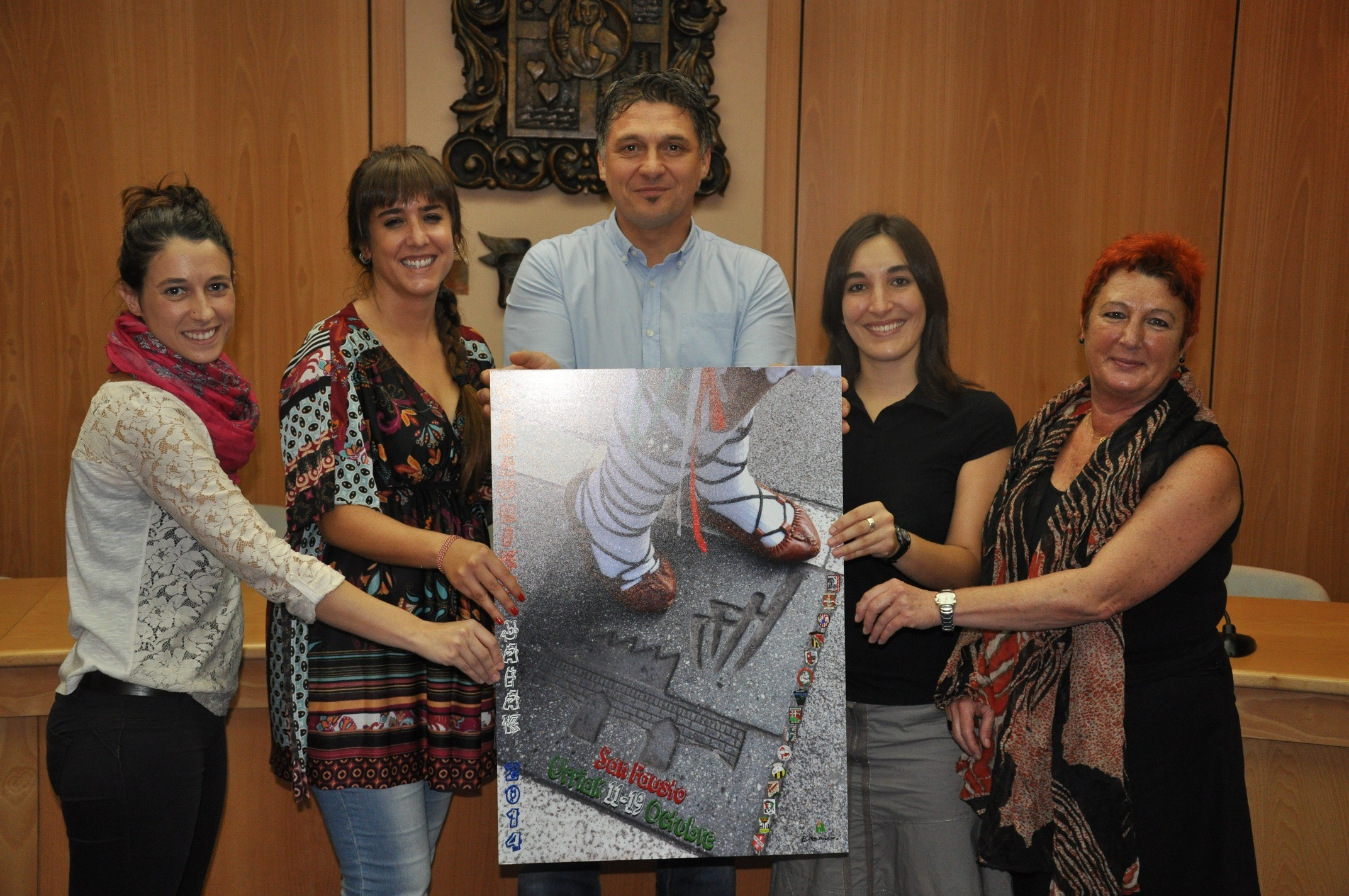 Representantes del Ayuntamiento y Herriko Taldeak en la presentación del programa. Foto: Ayuntamiento de Basauri