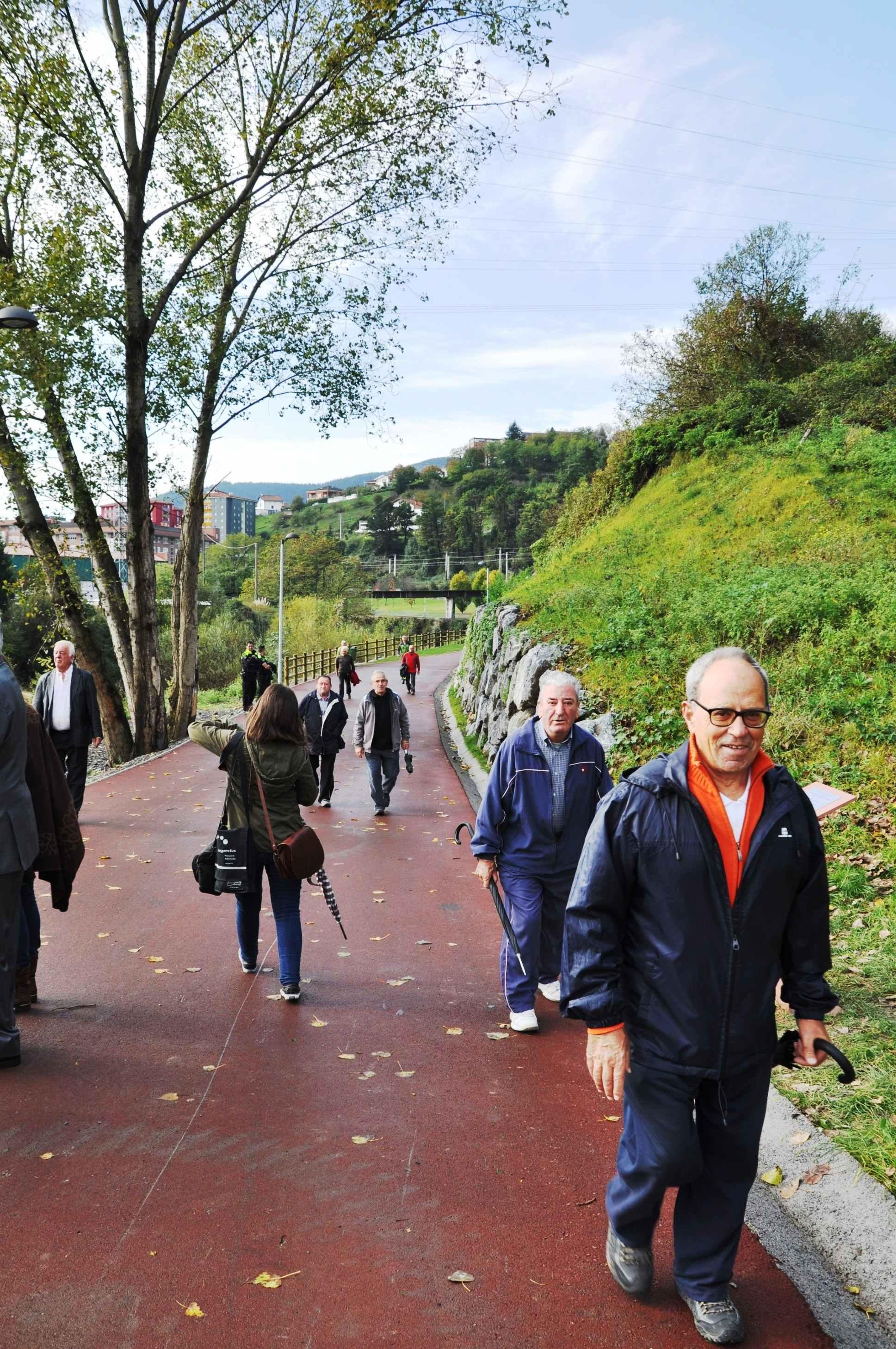 Paseo que une Basauri y Arrigorriaga. Foto: Ayuntamiento de Basauri