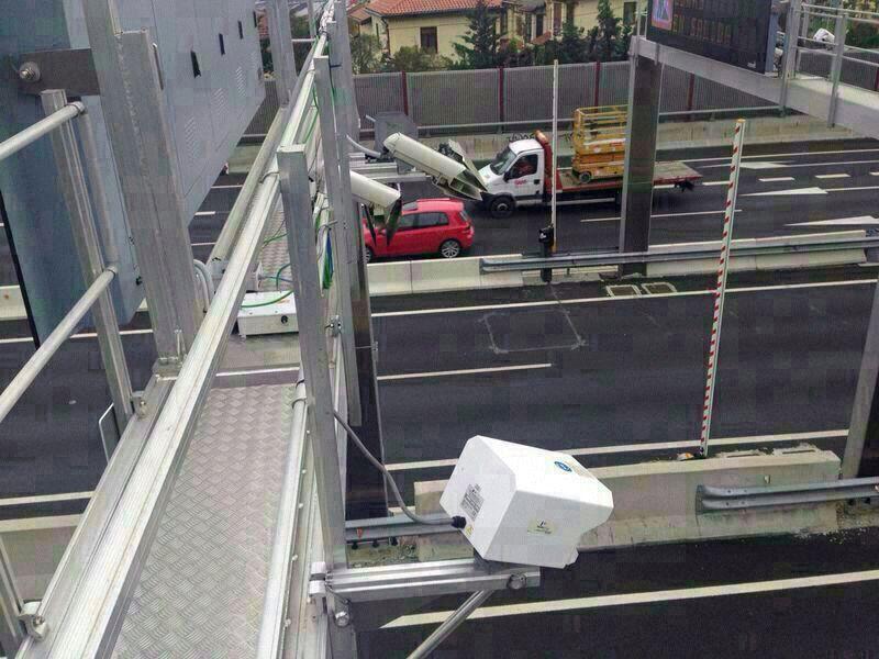 Imagen de las cámaras que han sido instalados en la entrada y salida de Bilbao por San Mamés.