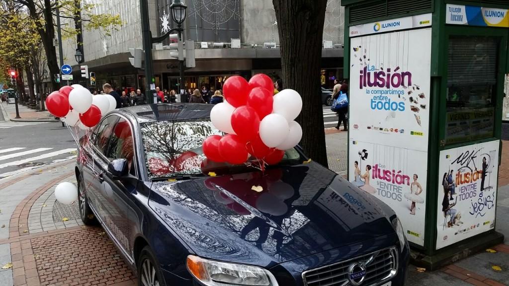 globos-coche-gran-via