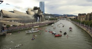 Red Bull Cliff Diving 2014 en Bilbao. Foto: EFE