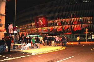 Inmediaciones de San Mames tras un partido. Foto de Vitor Guerra enviada a través de la web de usuarios de eitb.eus.