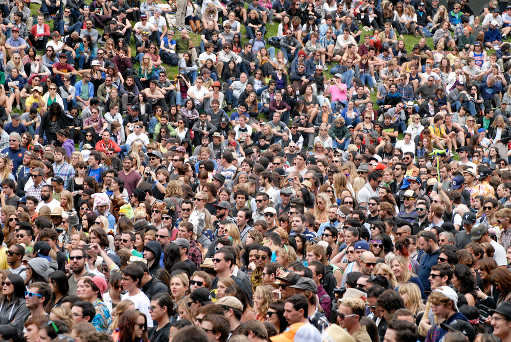 crowd-reggiewatts-people1000