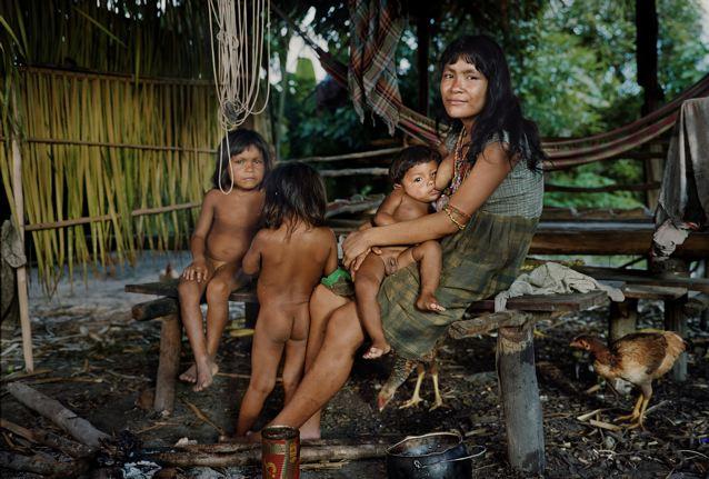piraha-ninos-mujer