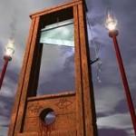 ¡A la guillotina!