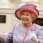 60.000 euros al año por dar cuerda a los 1.000 relojes de Isabel II
