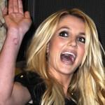 Utilizan música de Britney Spears para espantar a piratas somalíes (y funciona)