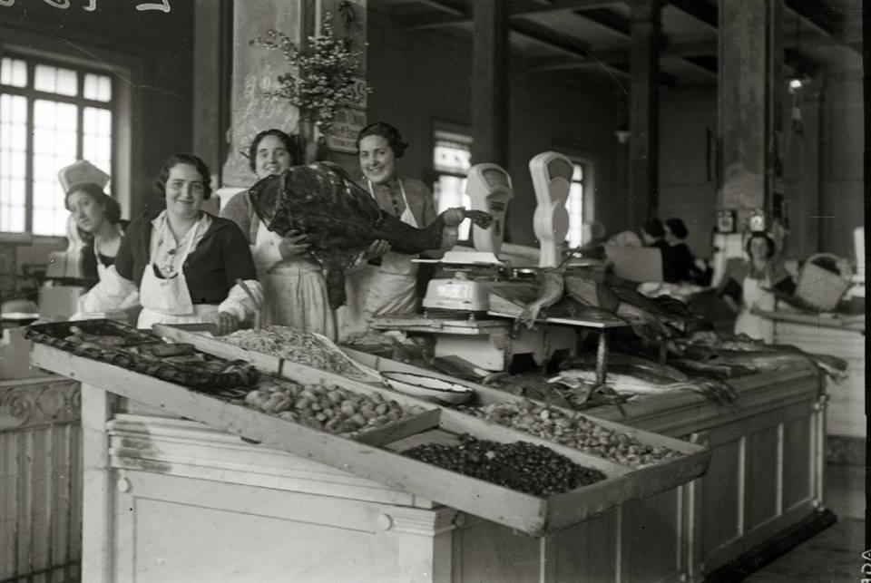 Mercado de La Bretxa. Publicado por Mariona Tella
