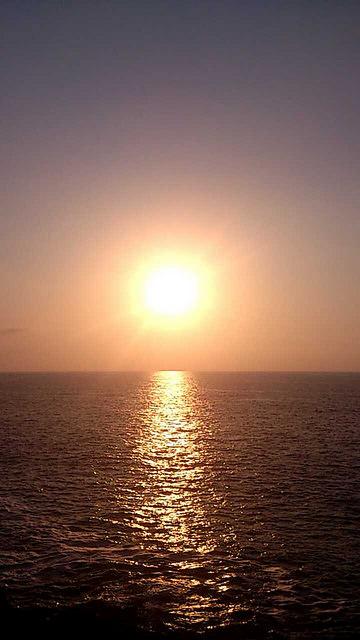 Puesta del sol desde el Paseo Nuevo. Foto: Beñat Escribano