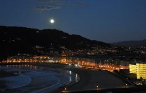 Jose Ignacio Ostiza. Luna llena en Ulia.