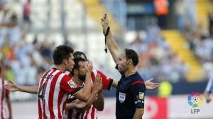 Las decisiones del colegiado Mateu Lahoz condicionaron el resultado (Foto: Lfp)