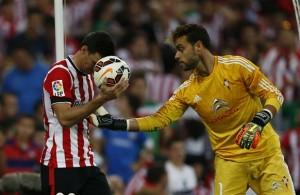Aduriz lamenta una ocasión errada (foto:  Athletic)