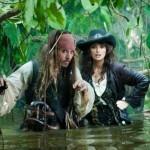 Penélope Cruz y Johnny Depp, dos piratas pasados por agua
