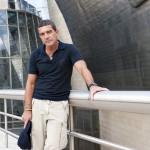 Antonio Banderas visita el museo Guggenheim