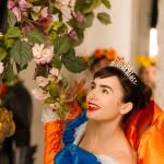 Lily Collins sigue los pasos musicales de su padre en 'Blancanieves'