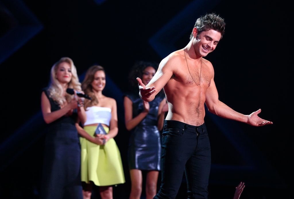 Zac-Efron-Shirtless-MTV-Movie-Awards-2014