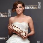 "Kristen Stewart ""mata"" a Bella Swan en los Cesar"