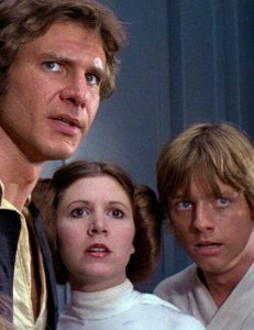 Han Solo (Harrison Ford), Leia (Carrie Fisher) y Luke (Mark Hamill)