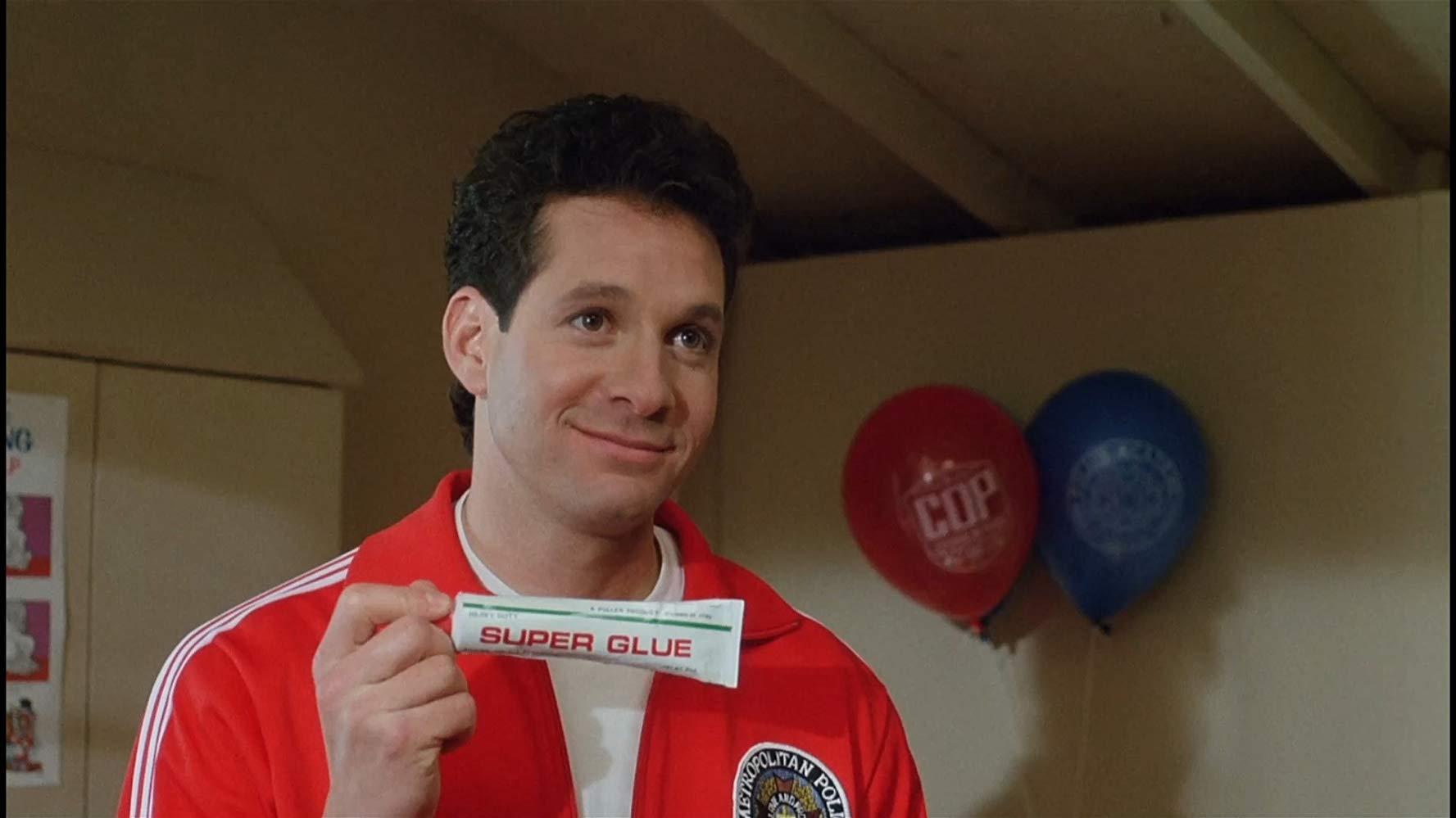 Steve Guttenberg as Mahoney