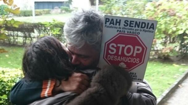 Imagen del momento del desahucio en diciembre. Foto: eitb.eus