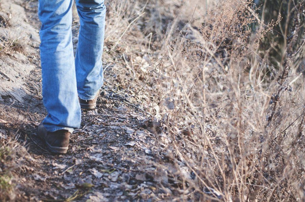hiking-1149985_1280