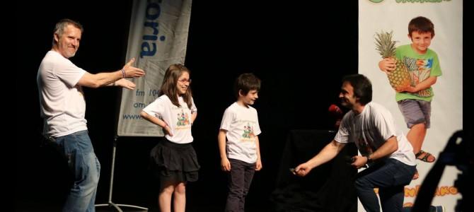 """Acto final del Programa """"Fomento de Frutas y Hortalizas"""" entre escolares de Lakuabizkarra desde el Teatro Félix Petite"""