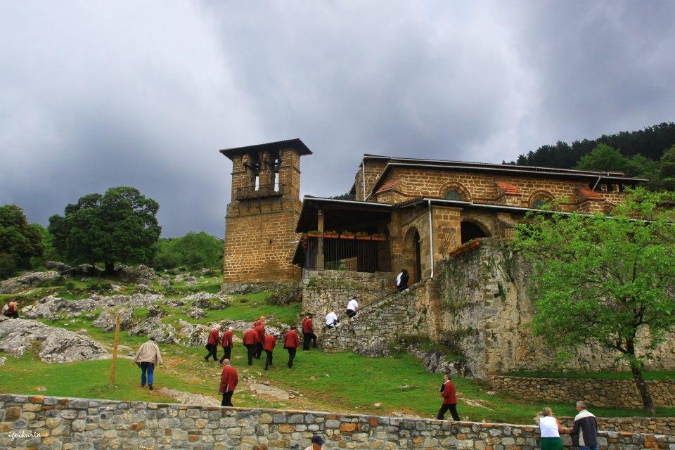 La ermita Santa Lucía, uno de los puntos del recorrido de la prueba. Foto: Inocencio Goikuria