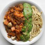 Receta: pasta de trigo sarraceno con pesto vegano y verduritas