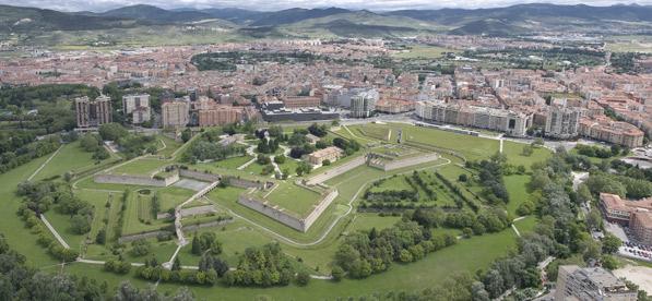 Vista aerea de las muralas - Ayuntamiento de Pamplona