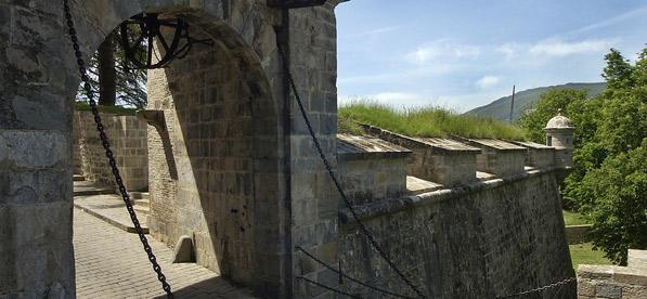 Portal de Francia o de Zumalacarregui