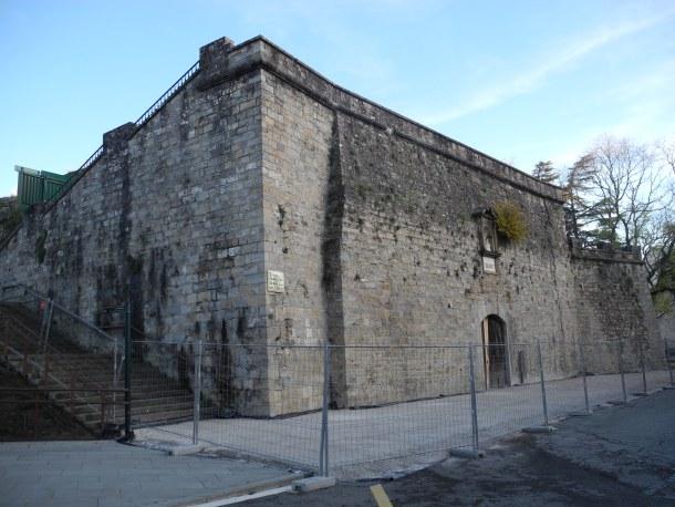 Zona a restaurar en el baluarte de Labrit. Foto: pamponahistorica.wordpress.com