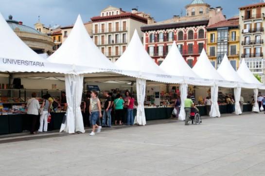 Feria del libro en la Plaza del Castilo. Foto: turismonavarra.com