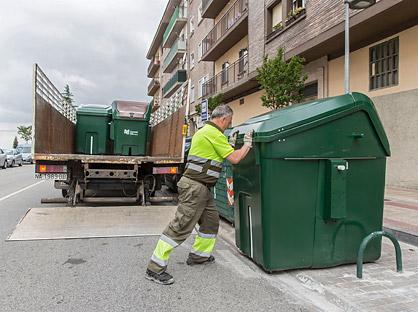 Sustitución de contenedores orgánicos. Foto: mcp.es