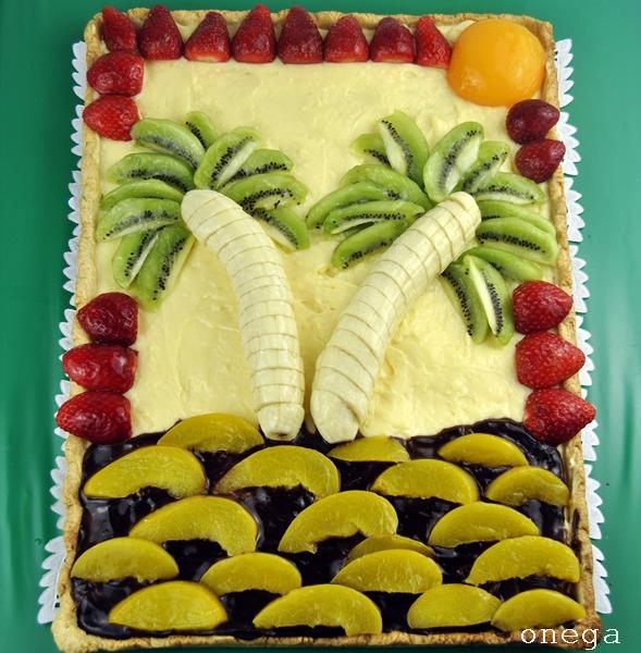 tarta isla con frutas frescas
