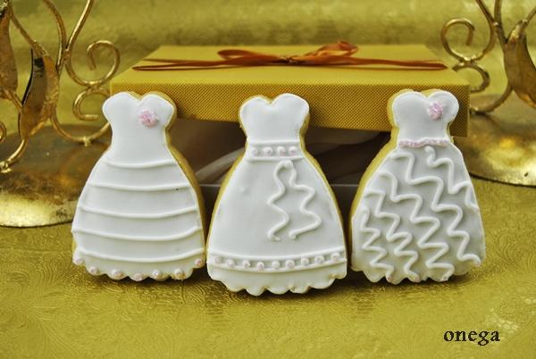 Galletas-con-forma-de-vestido-de-novia