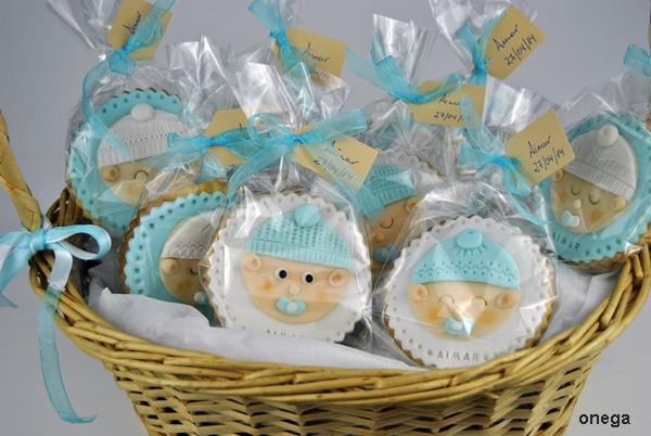 cesta-con-galletas-bautizo-en-fondant1