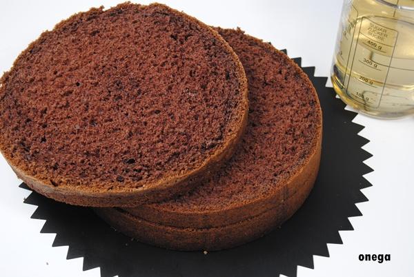 bizcocho-de-chocolate-básico.3JPG