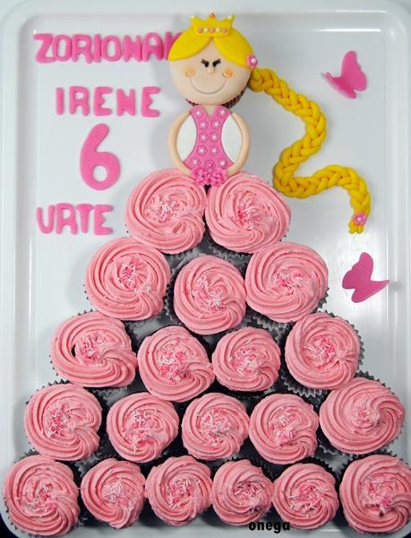 tarta-princesa-de-cupcakes.2JPG