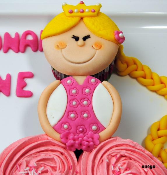 tarta-princesa-de-cupcakes.7JPG