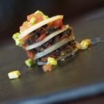 Tartita de melón con anchoa en salazón y tomate seco