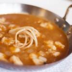 Cardos en salsa marinera con congrio
