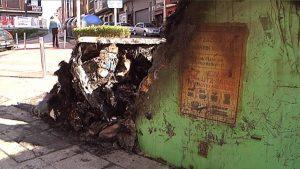 Un contenedor quemado. Imagen de archivo: EiTB